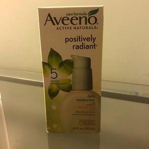 Other - Aveeno positively radiant daily moisturizer